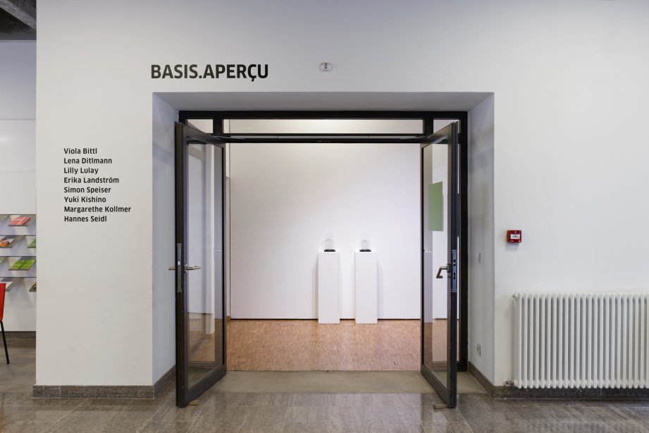 Installation view, basis aperçu, 2017, Goethe-Institut Paris © Falk Messerschmidt