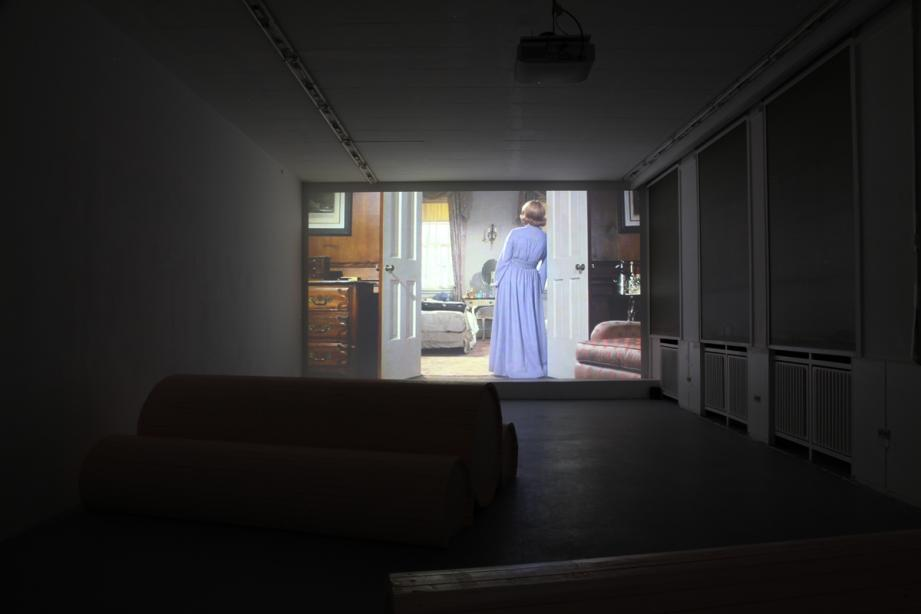 "Ausstellungsansicht, on display ""Sommer-Screening"": Eli Cortiñas, basis 2014, Foto: Amin Weber"